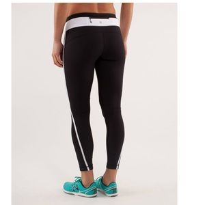 Lululemon Pace Tight Black and white Size 6